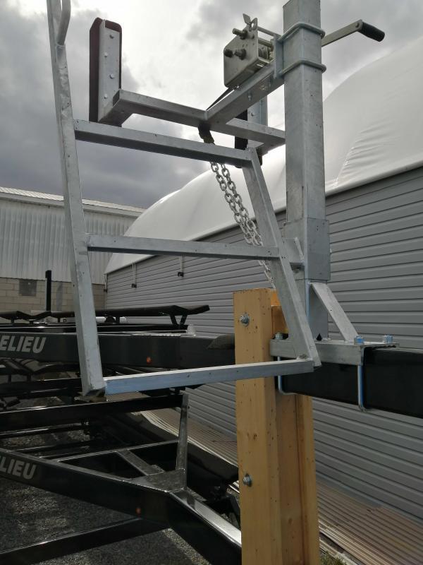2021 Richelieu 20-22 foot pontoon trailer