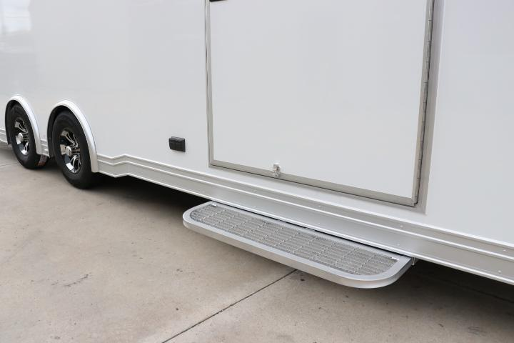 2022 24' inTech Aluminum Trailer w/ Icon Package - Due January 2022