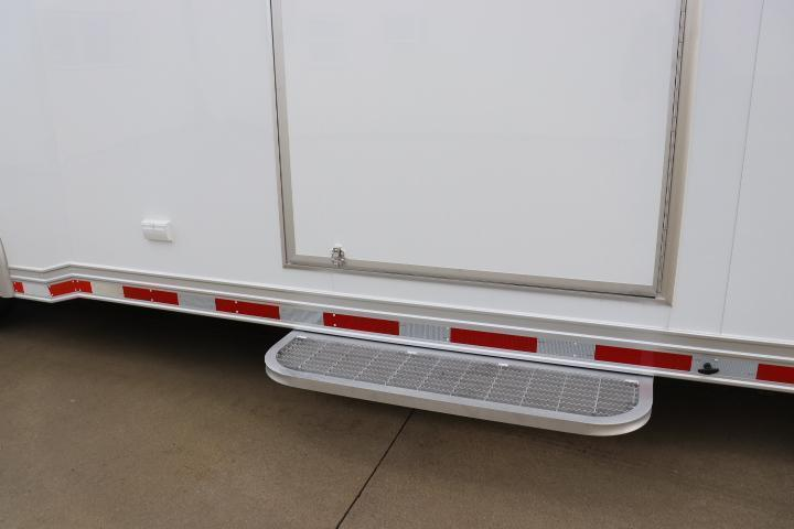 COMING SOON! 2022 28' inTech LOADED WITH OPTIONS All Aluminum Racecar Trailer w/ ICON PACKAGE-DUE SEPTEMBER 2021