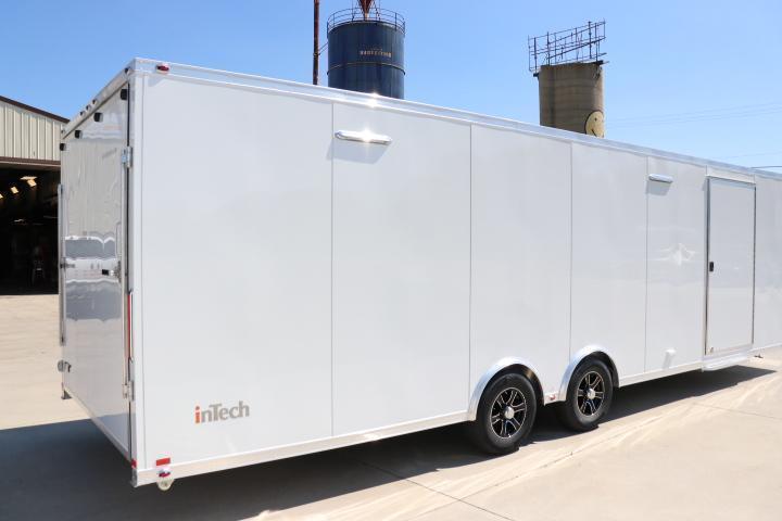 2022 24' inTech Lite Series Trailer with Escape Door-Due November 2021