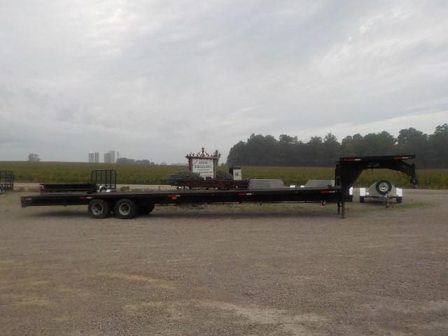 2000 Load Trail MODEL 10240+8 Flatbed Trailer