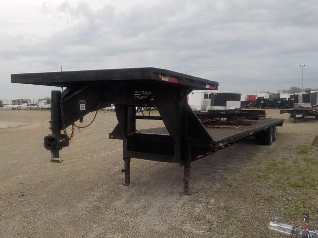 2000 Load Trail MODEL 10240+8 Flatbed Trailer