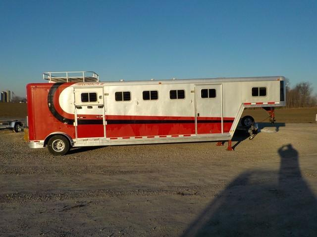 1996 Featherlite MODEL 9640 Livestock Trailer