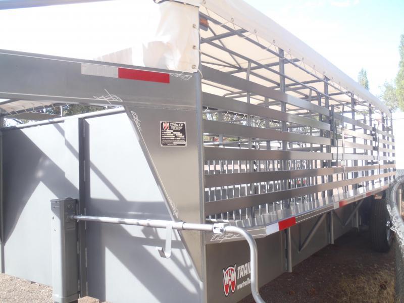 6.8X24 Gooseneck Stock Livestock Trailer