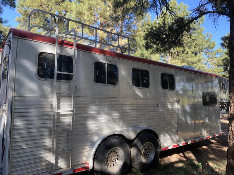 1995 Sooner 3 Horse Horse Trailer Weekender
