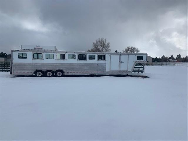 2008 Dream Coach Trailers LLC 8 Horse Smart tack Trailer