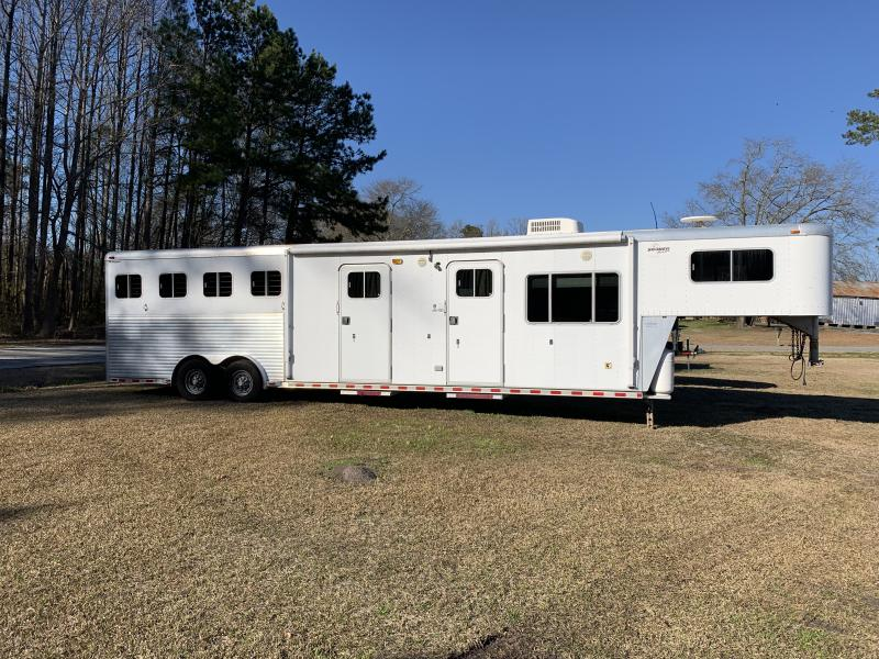 2002 Sooner 4H Whisper Plus Horse Trailer