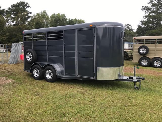 2021 Calico 3 Horse Slant Load Horse Trailer w/ Drop Down Windows & Mats
