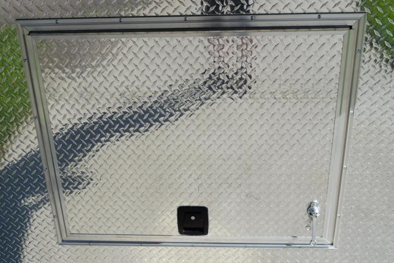 BRAVO STAR 38' GOOSENECK PULLING TRACTOR TRAILER