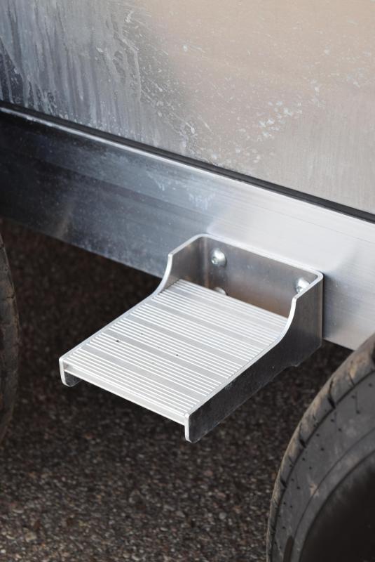 ATC 28' RAVEN LIMITED ALUMINUM CAR HAULER w/ PREMIUM ESCAPE DOOR