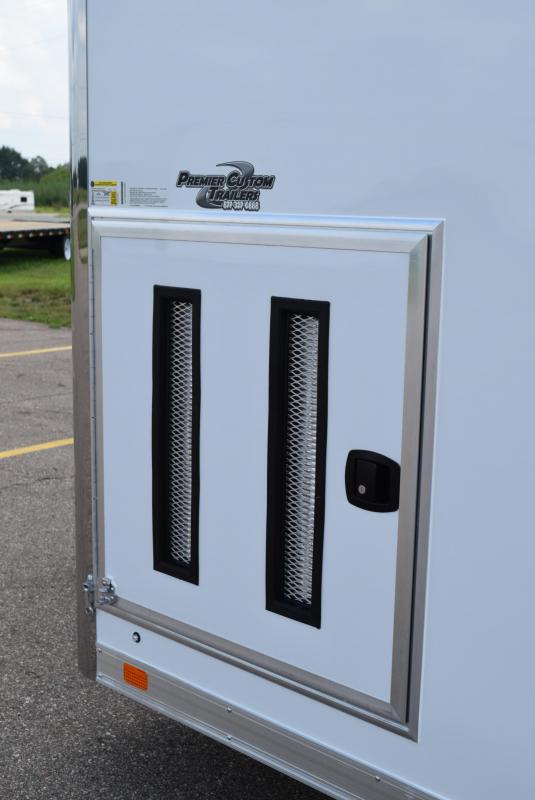 ATC 28' RAVEN LIMITED DELUXE PACKAGE ALUMINUM RACE HAULER W/ PREMIUM ESCAPE DOOR