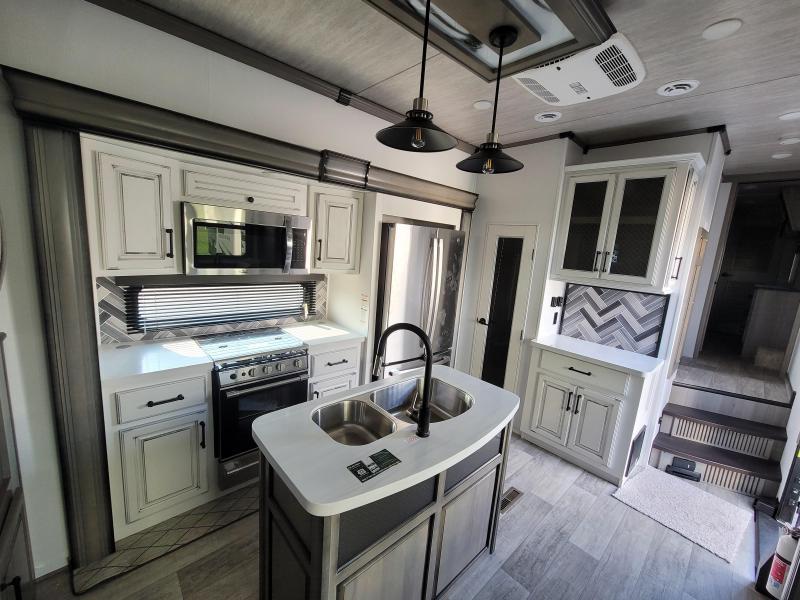 2022 Keystone RV Montana 3791RD Fifth Wheel Campers RV