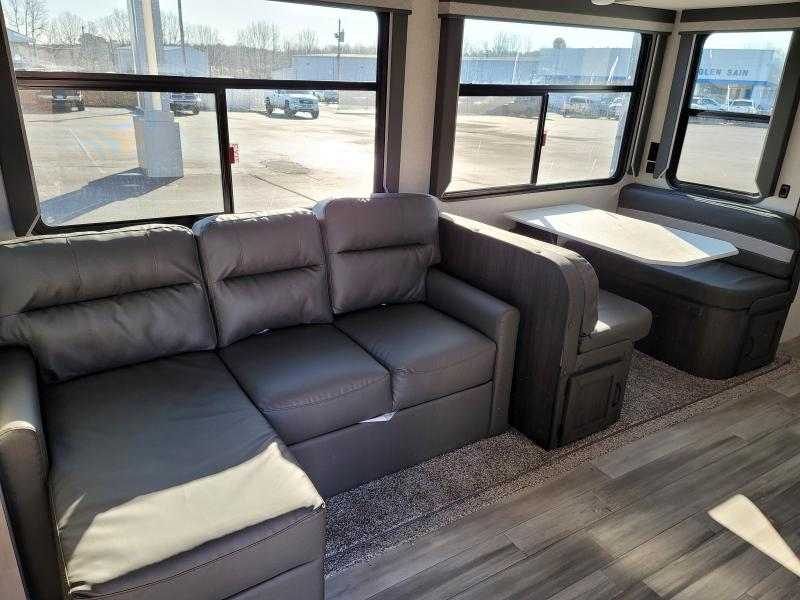 2021 Winnebago Voyage V3033BH Travel Trailer RV