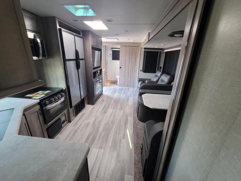 2021 Winnebago Voyage V2831RB Travel Trailer RV