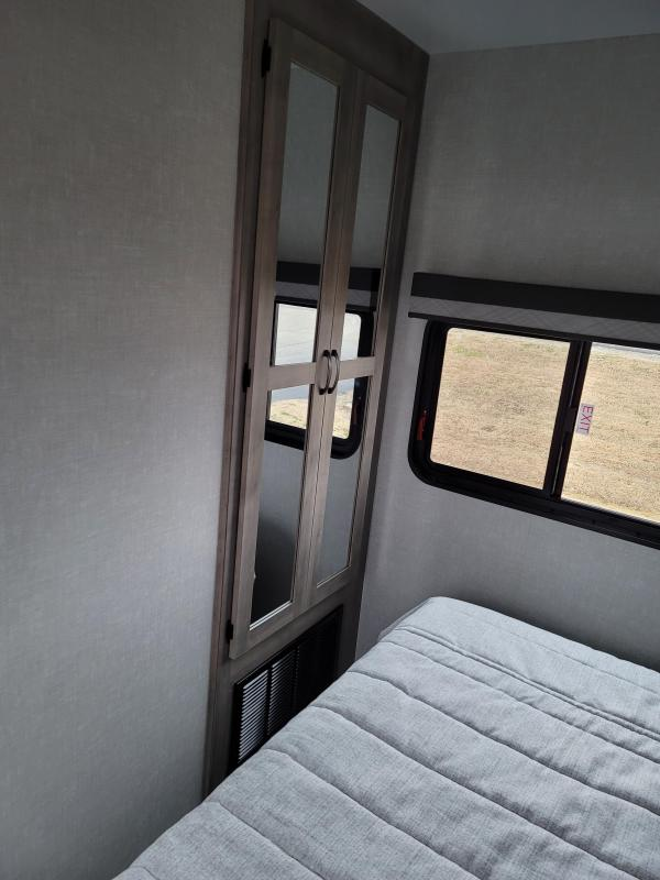 2021 Winnebago Voyage V3235RL Travel Trailer RV