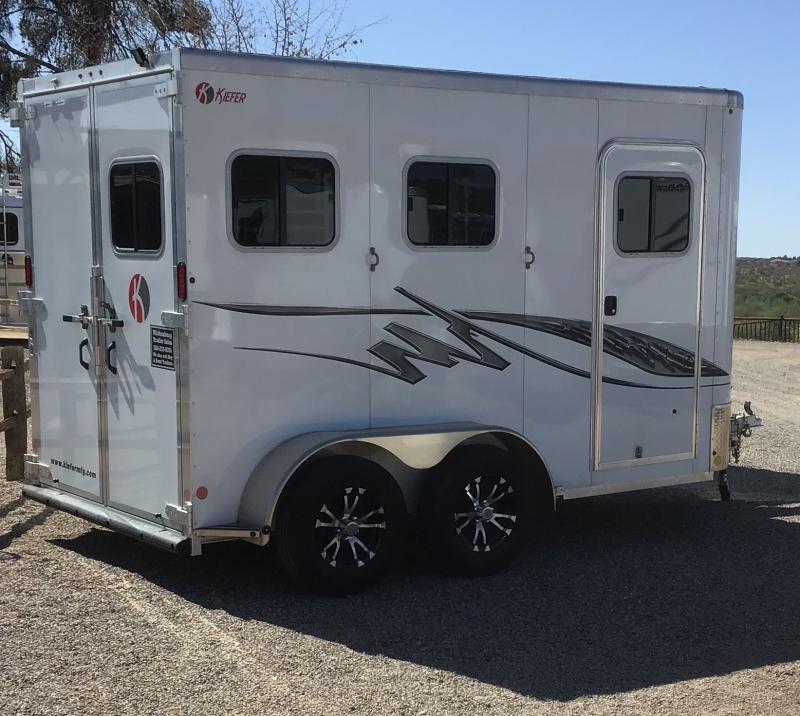 2020 Kiefer Manufacturing 2 Horse Slant Horse Trailer
