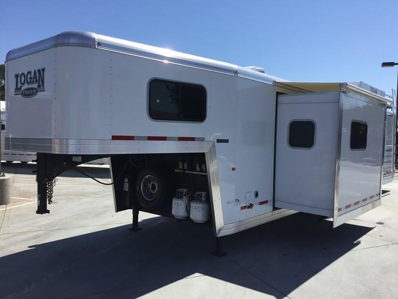 NEW 2019 Logan Coach 14ft short wall 3 horse limited side load Horse Trailer