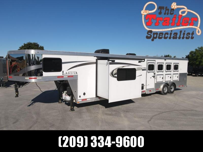 Pre-Owned 2017 Lakota C8415 Charger 4 Horse 8' Wide 15' Living Quarters GN Horse Trailer