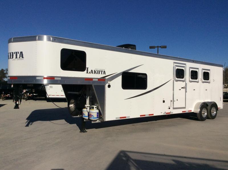 *ON ORDER* NEW 2021 Lakota Colt AC311 3 Horse 11' Living Quarters Horse Trailer
