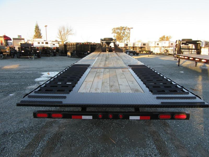 New 2020 Big Tex 25GN-35HDTS 8.5'x35' Hydraulic Dovetail