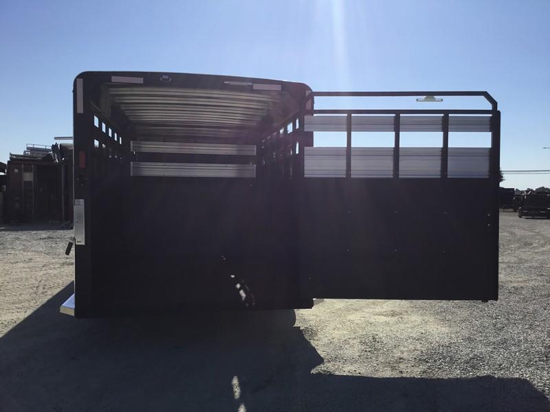 New 2019 Logan Coach 24 ft Stock Combo Livestock Trailer