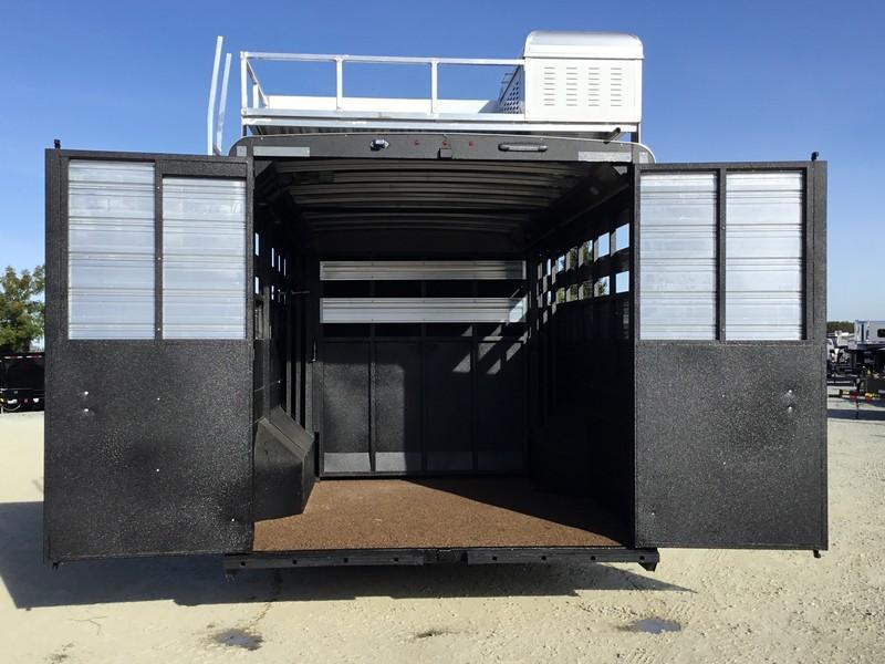 New 2019 Logan Limited Stockcombo 16' Living Quarters Livestock Trailer