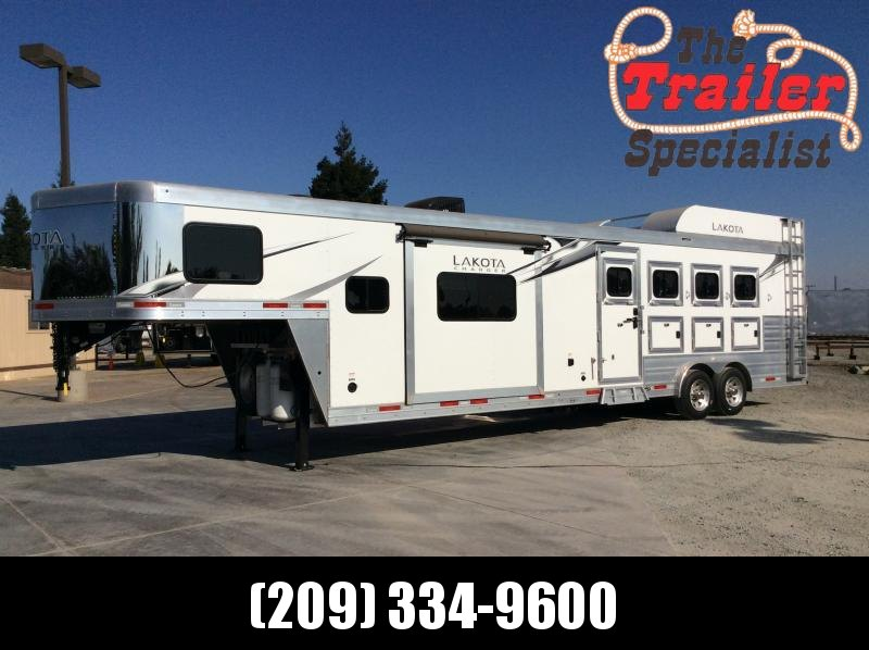 New 2021 Lakota C8413SR 4 Horse Trailer 13' Living Quarters