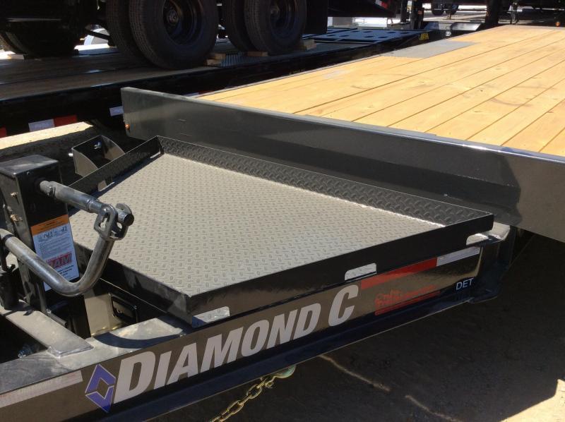 """NEW 2020 Diamond C Trailers DET207 L22ft x 102"""" Deck over Tilt trailer Equipment Trailer"""