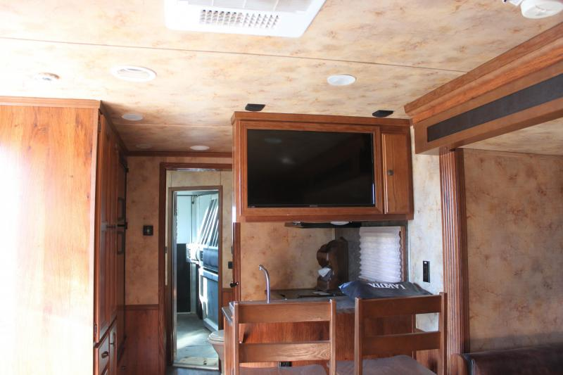 USED 2014 Lakota 3H CHARGER LQ Horse Trailer