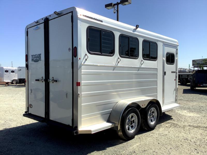 NEW 2022 Logan Coach 3H Bullseye Horse Trailer