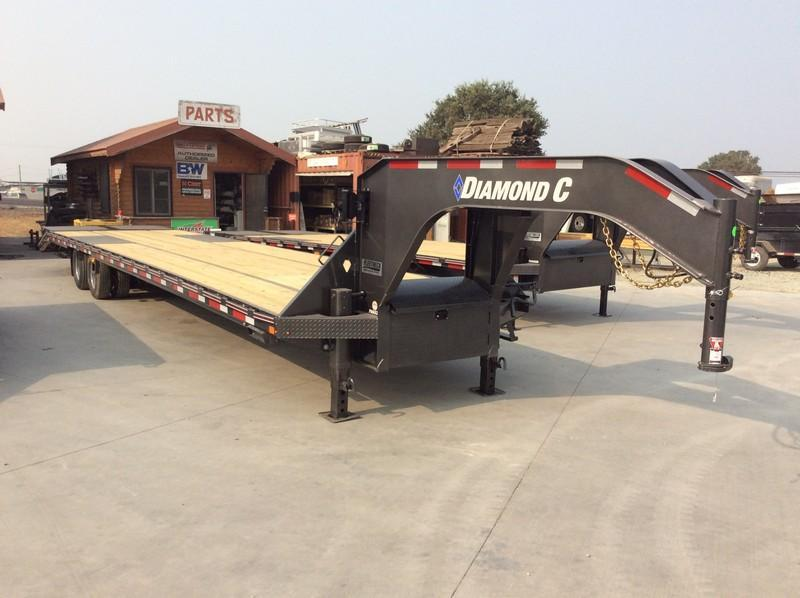 2021 Diamond C Trailers 25.9k GVWR L40ft x 102 FMAX212 Equipment Trailer