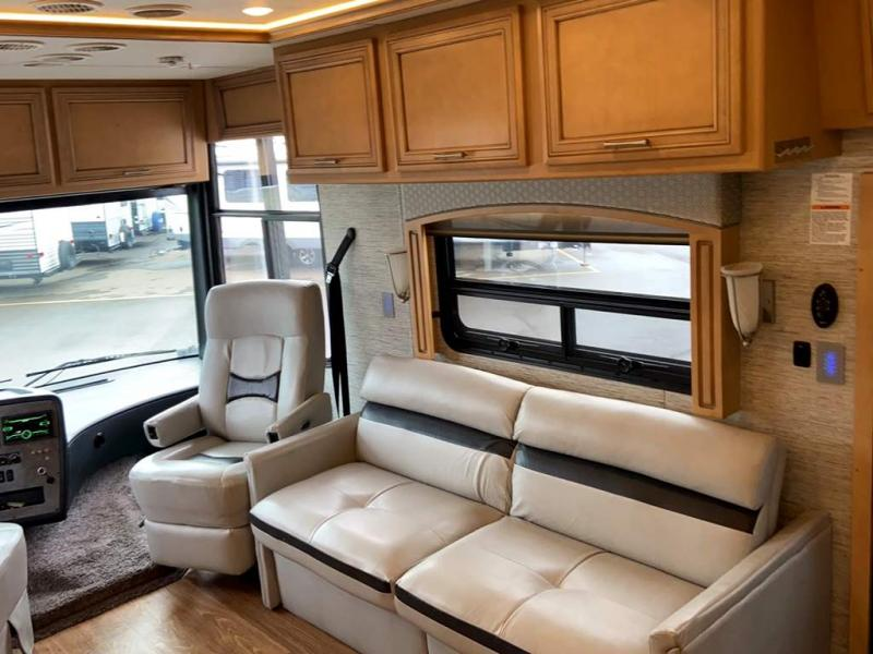 2019 Newmar CANYON STAR 3927