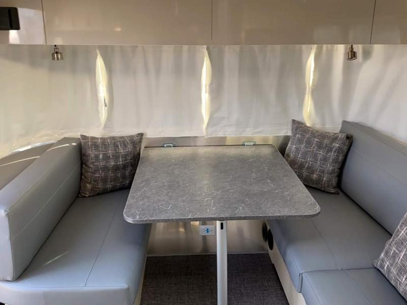 2021 Airstream FLYING CLOUD 27FB