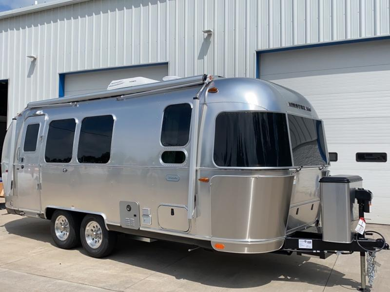 2021 Airstream Flying Cloud 23FB TWIN