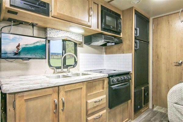 2020 Winnebago MICRO MINNIE 2106DS
