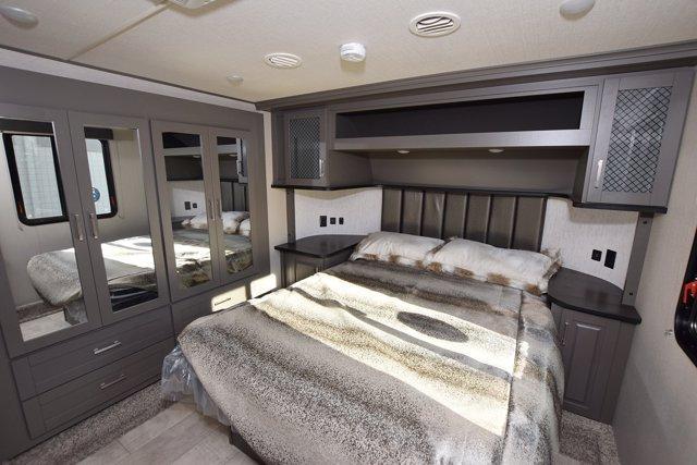 2020 Grand Design RV MOMENTUM G-CLASS 328G