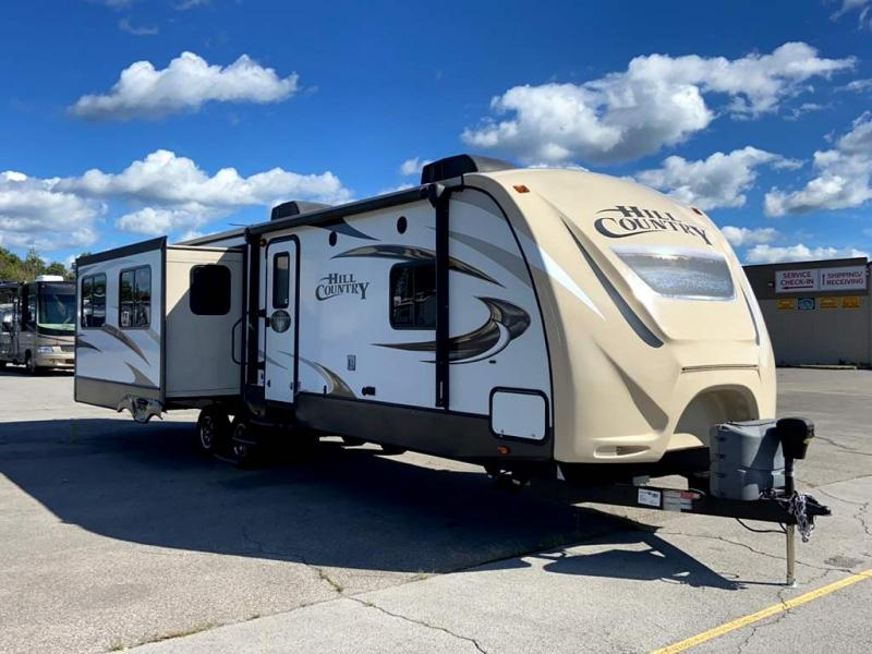 2016 CrossRoads RV HILL COUNTRY 32RE