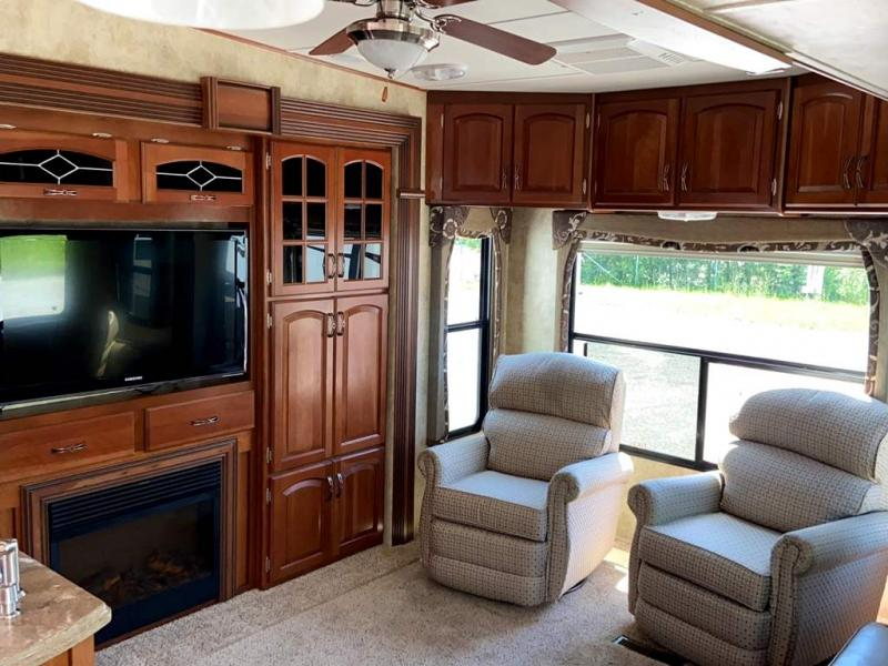 2012 Keystone RV AVALANCHE 345TG