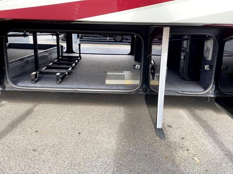 2013 Tiffin Motorhomes PHAETON 40 QKH