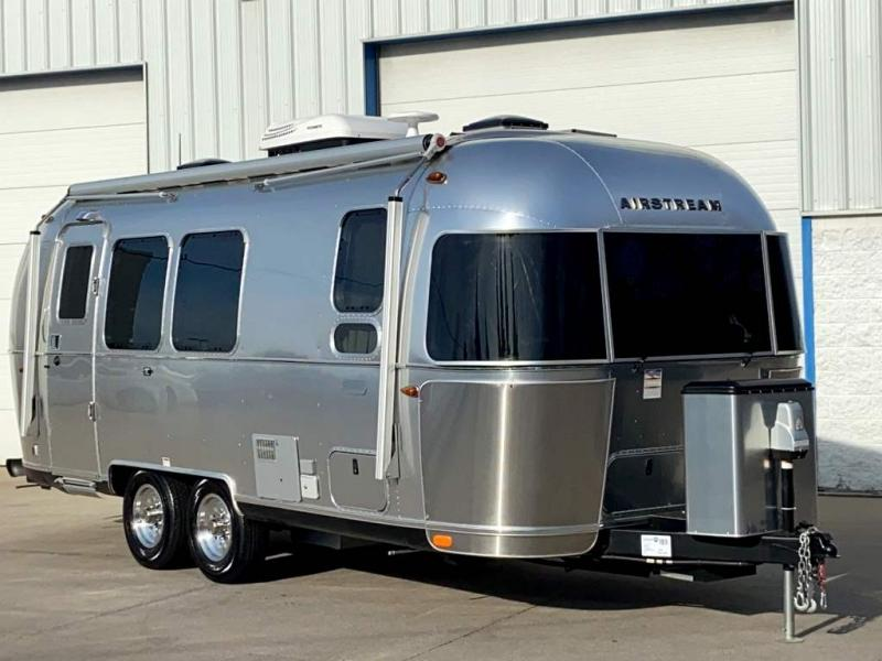 2020 Airstream GLOBETROTTER 23FB