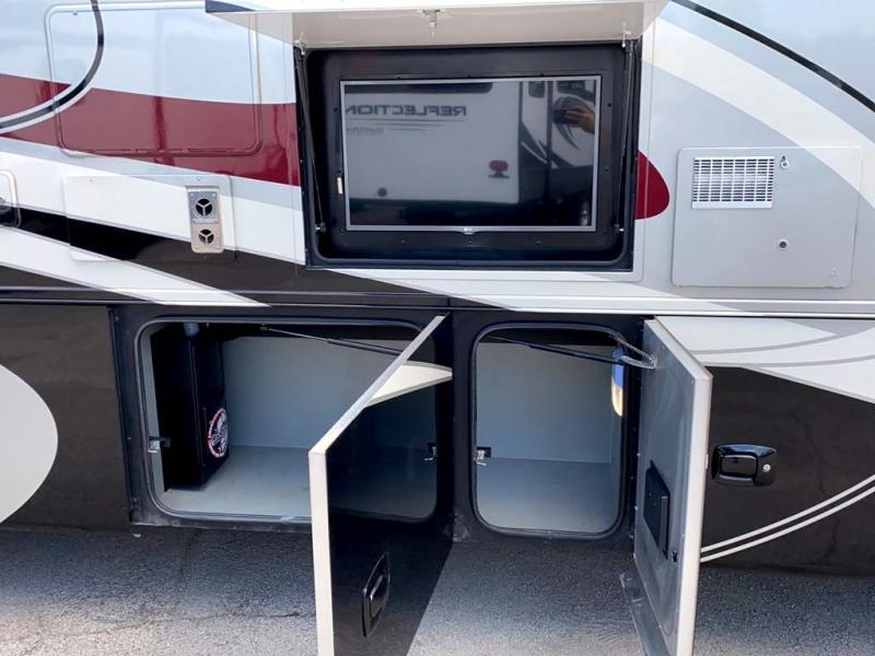 2016 Tiffin Motorhomes ALLEGRO 32 SA
