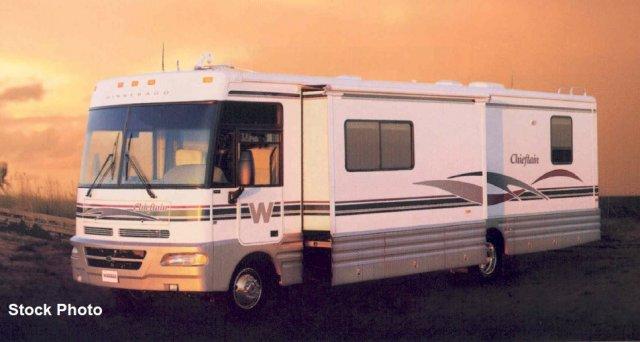 2000 Winnebago  36LP