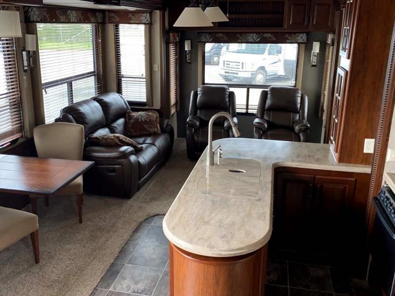 2015 Keystone RV ALPINE 3556RL