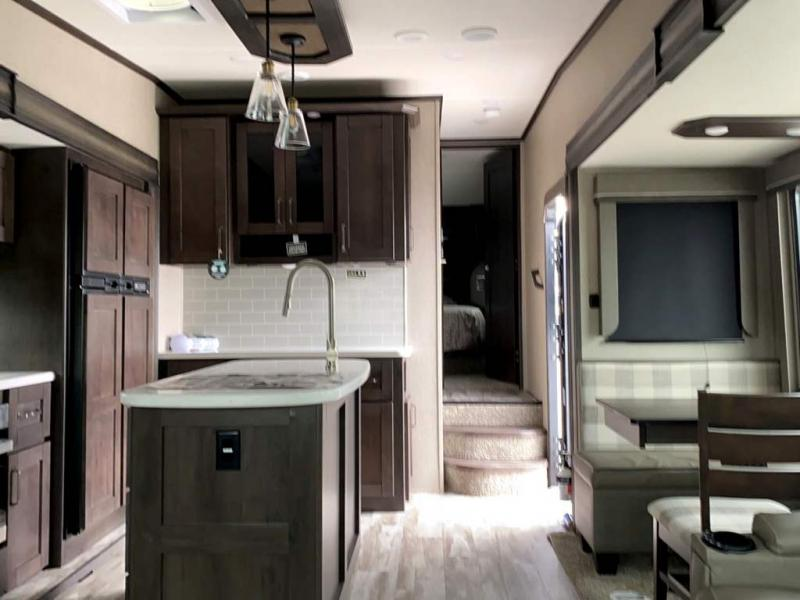 2020 GRAND DESIGN Reflection 5th Wheel 303RLS