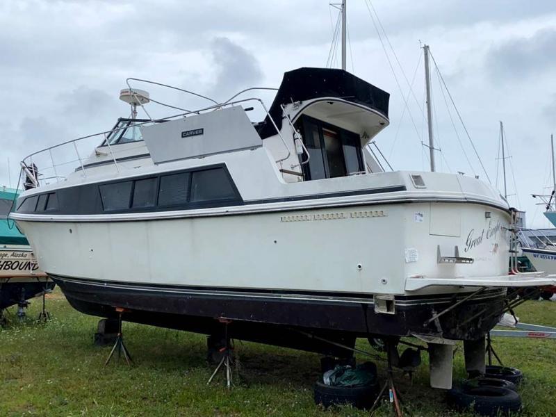 1987 Carver Yachts MARINER 3697