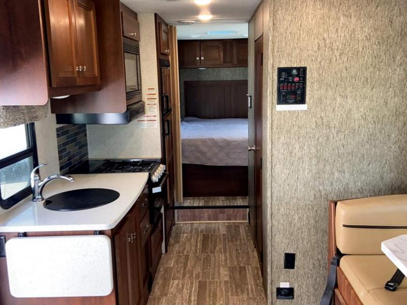 2019 Forest River SUNSEEKER 2650CDWS