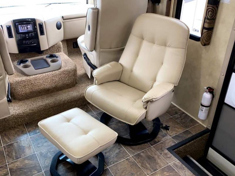 2011 Thor Motor Coach WINDSPORT 34T
