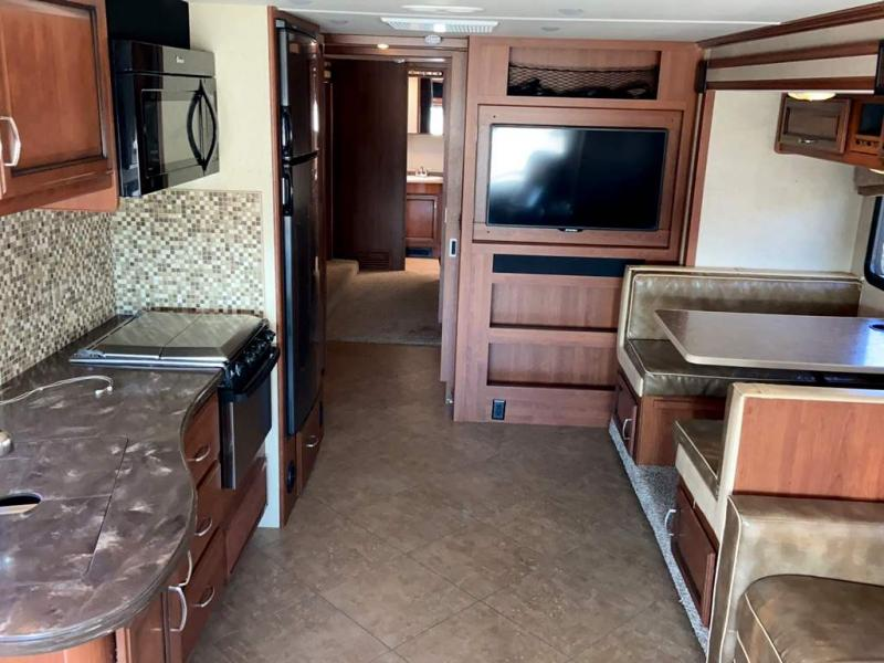 2015 Fleetwood RV BOUNDER 36H