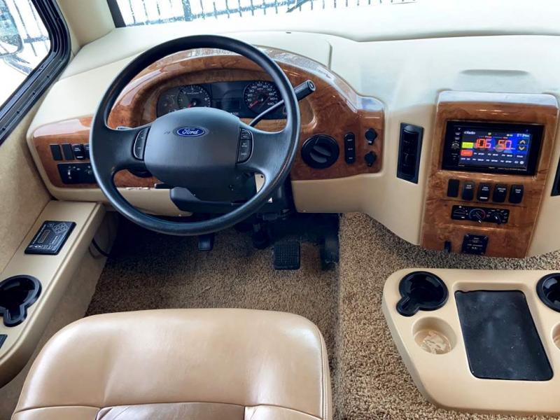 2015 Thor Motor Coach WINDSPORT 34J
