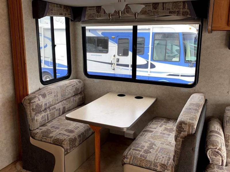 2007 Gulf Stream Coach INDEPENDENCE 8357